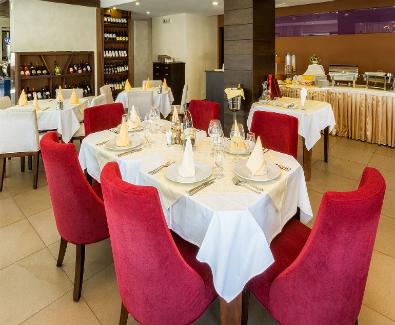 Zlatibor, hotel MIR, smestaj, odmor, pansion, soba, apartmani, putovanje, restoran, nacionalna kuhinja, domaca hrana, dorucak, vecera1